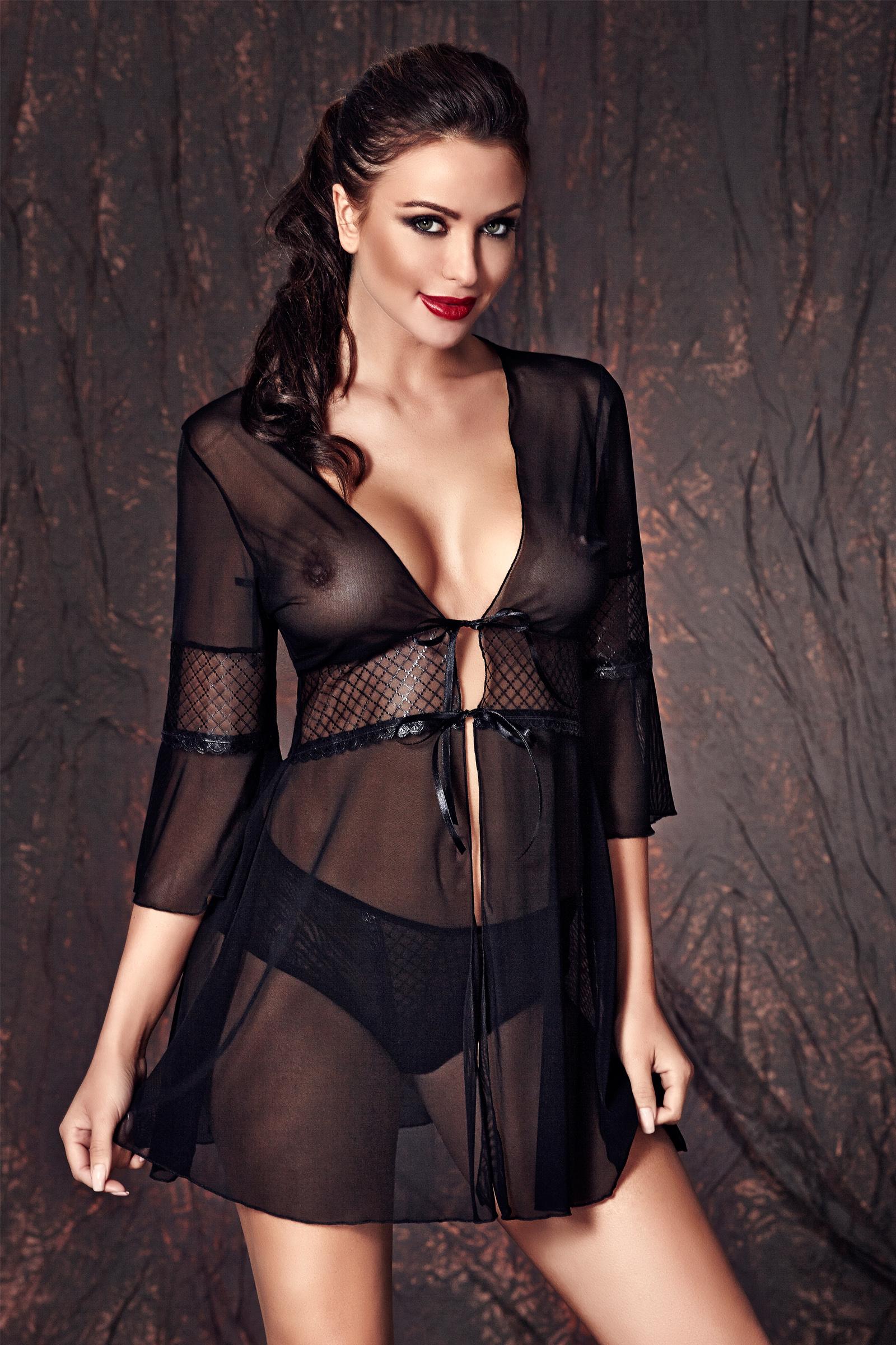 галерея женщин в эротических одеждах черных совершенно заводили